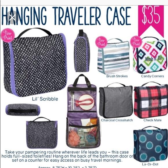 adf07f6c56 Hanging travel case